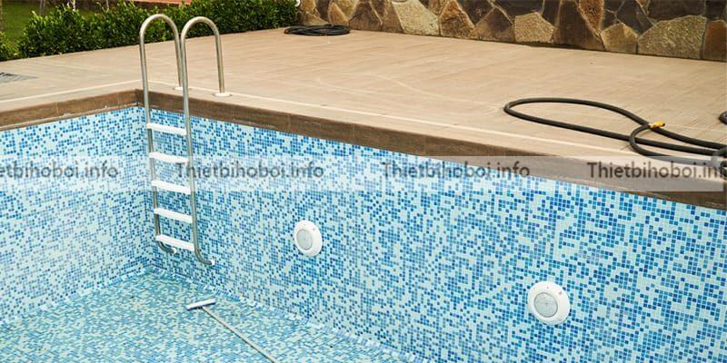 Ứng dụng thang bể bơi emaux NMU