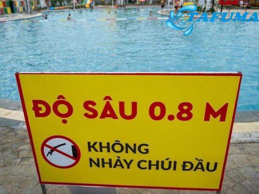 biển báo độ sâu bể bơi